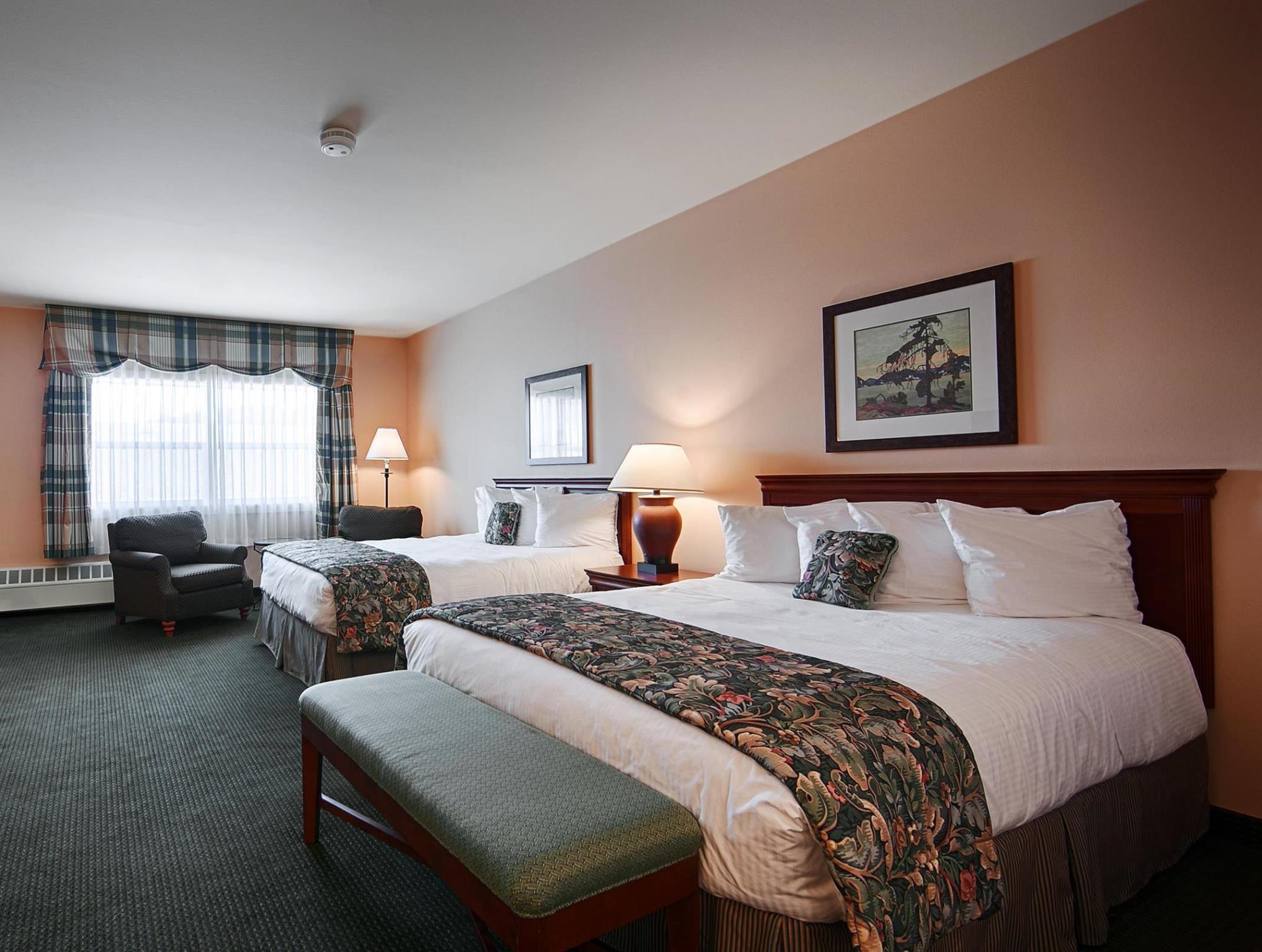 2 Queen Beds - Non-Smoking Best Western PLUS Landing Hotel