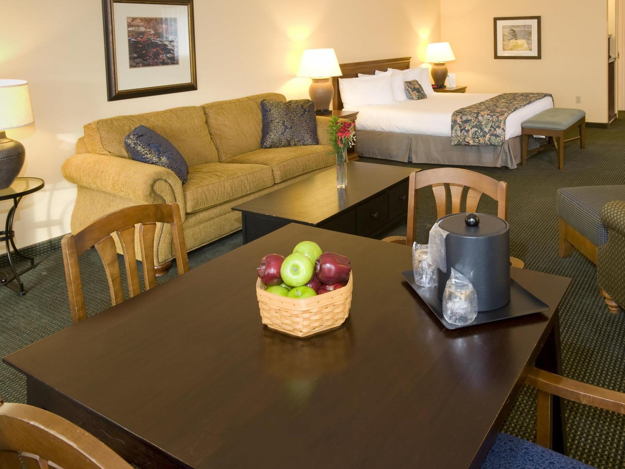 Mini Suite 1 King Bed Best Western PLUS Landing Hotel