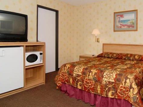 Rodeway Inn Photo Guest Room