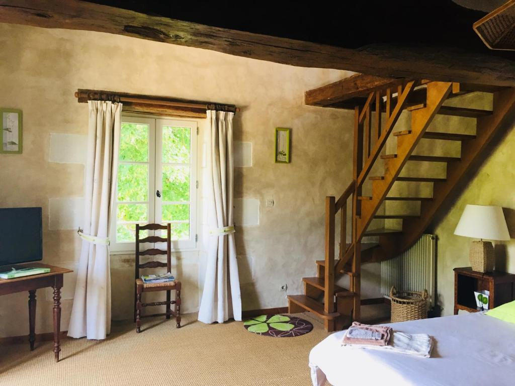 Chambre Hote Chinon Best Price On Chambres D Hotes Le Prince Grenouille In Ligre
