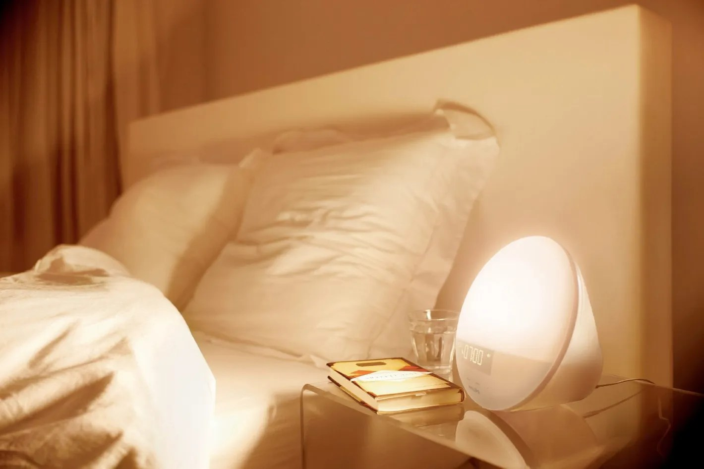 Bright Light Philips The Philips Wake Up Light Is The Best Natural Alarm Clock