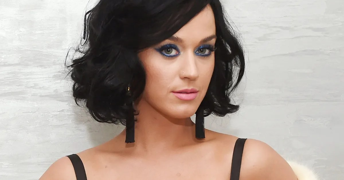 Account Wallpaper For 11 Girls Katy Perry S Lipsticks Won T Make Your Face Look Like A Butt