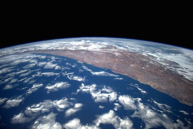 Iss Hd Wallpaper Stunning Photos Of Planet Earth From The International