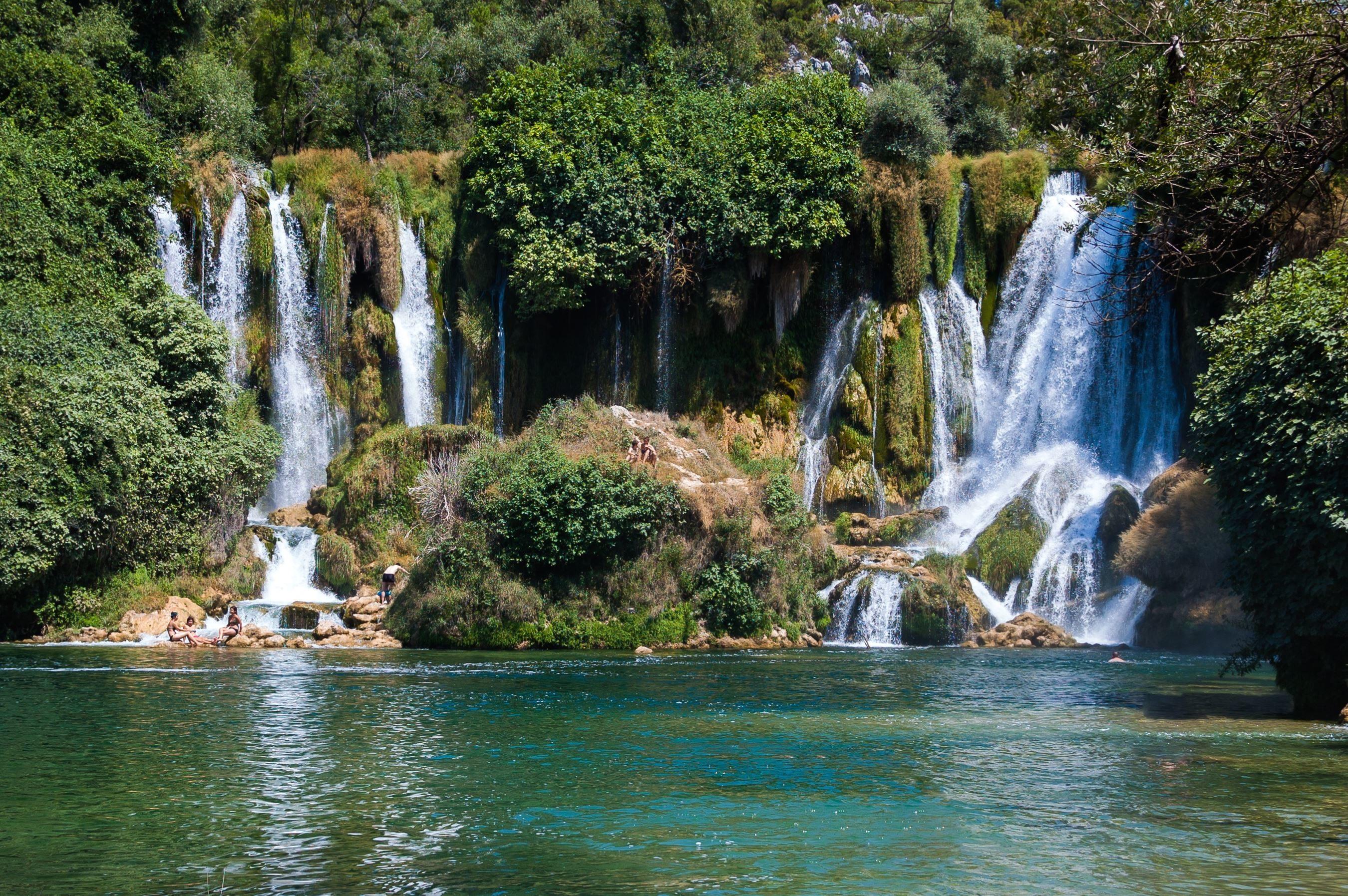 Waterfall Desktop Wallpaper Hd Imagen Gratis Cascada R 237 O Agua Corriente Roca Bosque