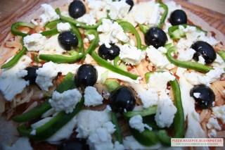 griechische Pizza mit Vollkornteig