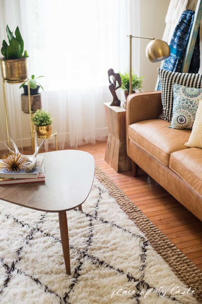 TUSCAN MOROCCAN SHAG RUG IN THE LIVING ROOM - living room shag rug