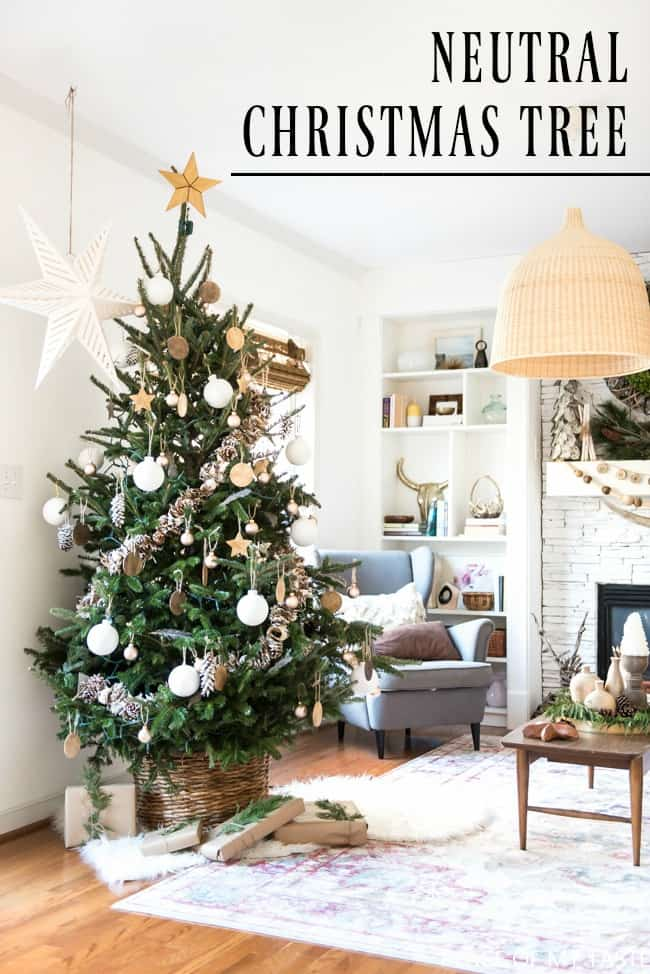 NEUTRAL CHRISTMAS TREE DECORATION - SO PRETTY!