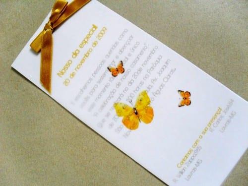 Convite de casamento com papel vegetal e borboletas amarelas
