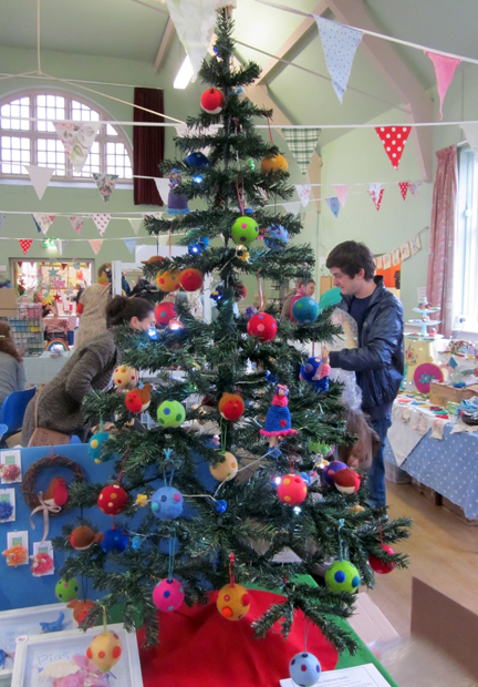 A Christmas Tree full of Needlefelted goodies for the Pick'n'Mix Makers Market in Holt