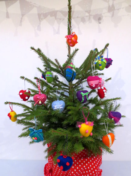 needlefelt baubles for Christmas Fair