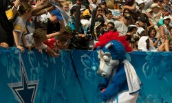 Blue_at_2009_Pro_Bowl