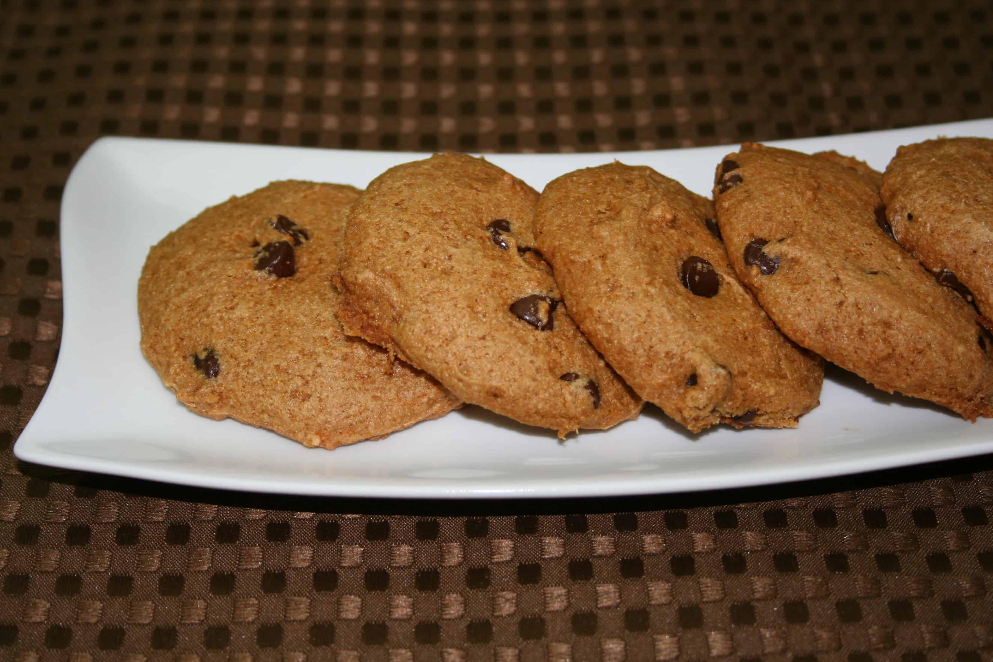 Vegan Chocolate Chip Cookies (Cakies) - Plantivores