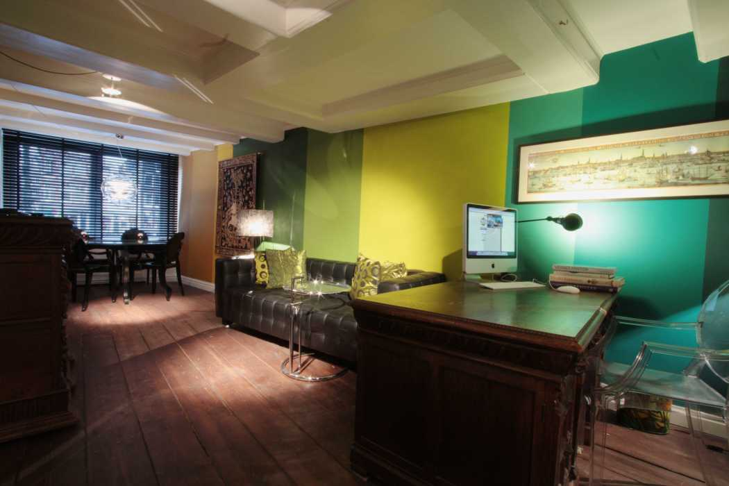 Kamer01.GreenSuite.Desk
