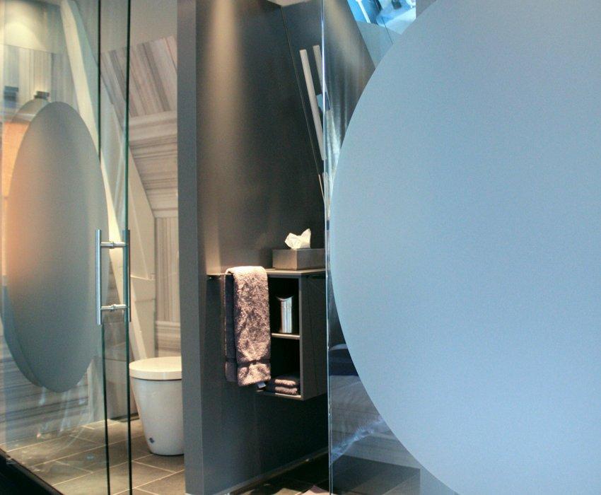 kamer01.bluebathroom.850X1276