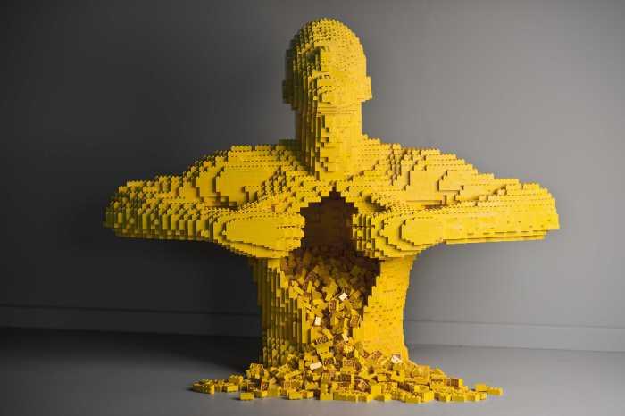 Nathan Sawaya, Brick Artist, Platea Magazine