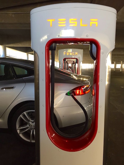 Laurel Tesla Supercharger