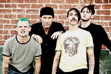 Red-Hot-Chili-Peppers-cusica-plus