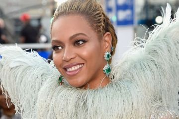 Beyoncé. 21 Astronautas. Video Music Awards. MTV. Cúsica Plus.