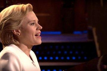 "Kate McKinnon de SNL versionó ""Hallelujah"" de Leonard Cohen mientras interpretaba a Hillary Clinton. Cusica Plus"