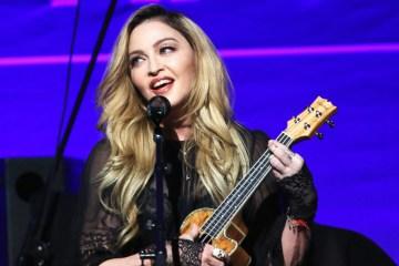 """Madonna hace una extraña versión para """"Toxic"""" de Britney Spears. Cusica Plus"""