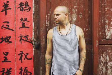 """Residente de Calle 13 presenta su primer sencillo como solista """"Somos anormales"""". Cusica Plus"""
