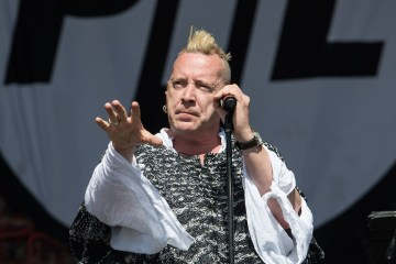 Johnny Rotten de Sex Pistols defiende a Donald Trump. Cusica plus