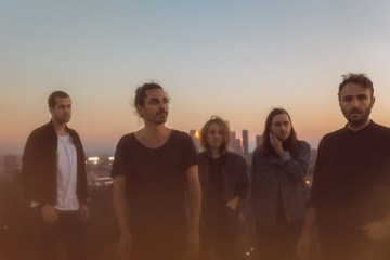Local Natives estrena sencillo y versión de Fleetwood Mac. Cusica plus