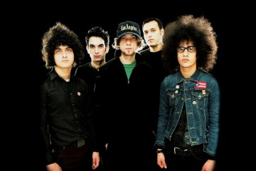 "At The Drive-In publica video de su tema ""Hostage Stamps"". Cusica plus"