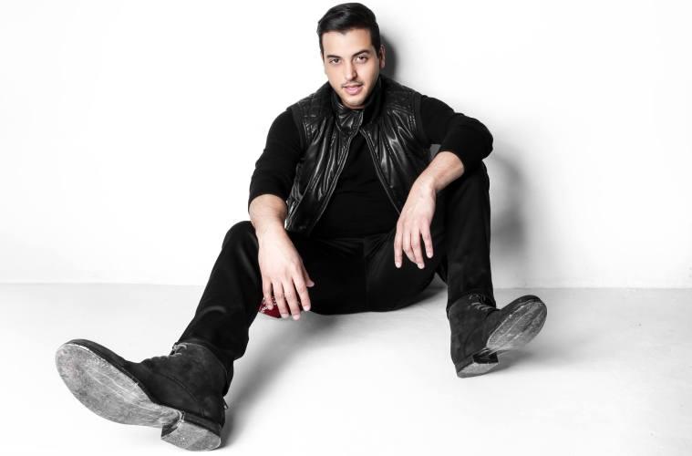 "Víctor Muñoz da detalles de su próximo sencillo ""Desesperando"". Cusica plus"