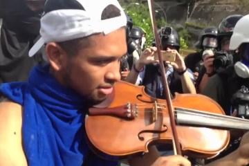 Violinista-Marchas-Cusica-Plus