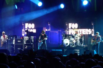 Foo_Fighters-Cusica-Plus
