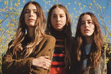 Haim estrenará documental 'Something to Tell You'. Cusica plus.
