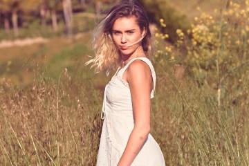 """Miley Cyrus se reencuentra con sus raíces country en """"Inspired"""""""