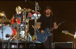Foo Fighters estrenan nueva canción en vivo durante su concierto en Grecia. Cusica Plus.