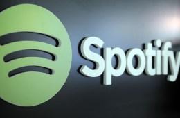 """Spotify elimina bandas de su servicio por """"Promover el odio"""". Cusica Plus."""