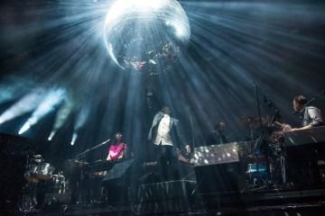 "LCD Soundsystem nos pone a bailar con ""Tonite"" . Cusica Plus."