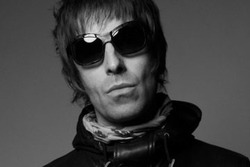 "Liam Gallagher pide disculpas en su nuevo sencillo ""For What It's Worth"". Cusica Plus."