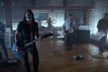 """Los Foo Fighters juegan con el blues en """"The Sky Is A Neighborhood"""" . Cusica Plus."""