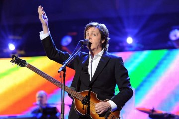 "Paul McCartney interpretó ""Birthday"" y ""Come Together"" junto a Billy Joel. cusica plus."