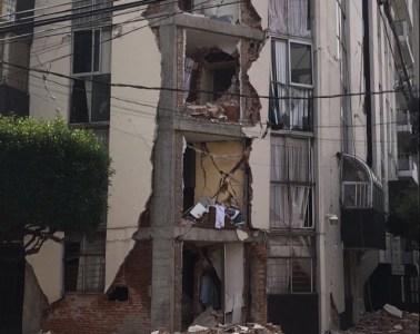 Los Mesoneros están solicitando ayuda para su baterista luego del terremoto en México. Cusica plus.
