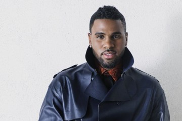 "Jason Derulo le rinde tributo a Michael Jackson en el Lyric Video de ""If I'm Lucky"". Cusica Plus."
