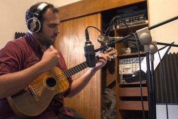 Jorge Glem esperá llevar el cuatro a todo el mundo con el documental #4CuatroMusic. cusica plus.