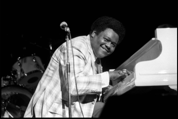 Fallece el pianista Fats Domino, uno de los fundadores del rock n' roll. Cusica Plus.