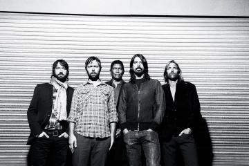 Los Foo Fighters estrenan nuevo sencillo para Planned Parenthood. Cusica Plus.