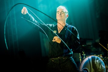"Morrissey estrenó en vivo ""Spend The Day In Bed"" en 'Jools Holland'. Cusica Plus."