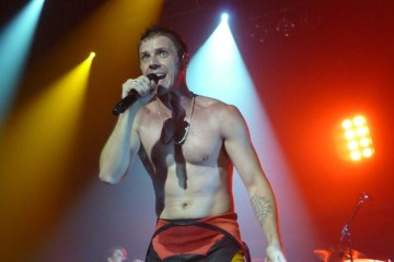 "Jake Shears de Scissor Sisters debuta como solista con ""Creep City"". Cusica Plus."