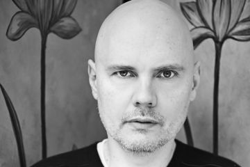 Pierdete en la fiebre psicodélica de Billy Corgan con su cortometraje 'Pillbox'. Cusica Plus.