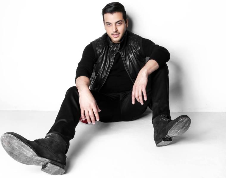 """Víctor Muñoz está """"Desesperando"""" en su último sencillo. Cusica plus."""