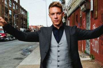 "Diplo y MØ nos invitan a su estudio de baile con el video de ""Get Right"". cusica Plus."