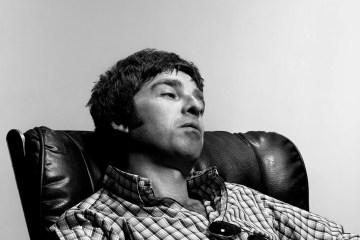 Noel Gallagher nos prepara para el fin de los tiempos con su nuevo video. Cusica Plus.